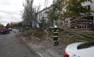 Hasiči v Nitrianskom kraji zasahovali počas nepriaznivých poveternostných podmienok celkovo 92 krát